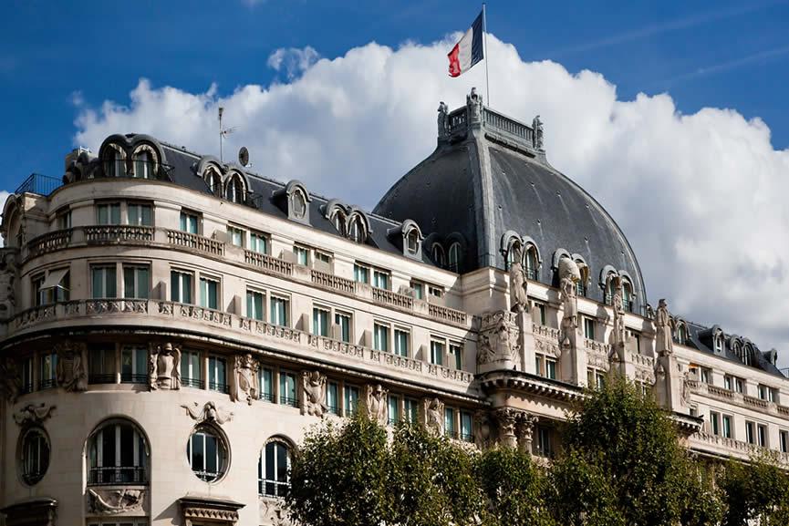 Rechtsanwalt Frankreich: Aktive Sterbehilfe bleibt verboten